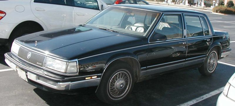 Buick%20Electra%20-%20mid%2080s.jpg