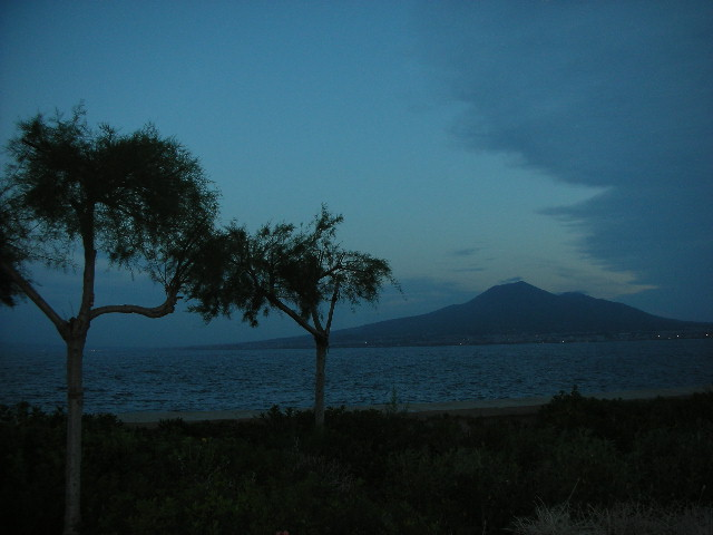 Vesuvius%201.jpg
