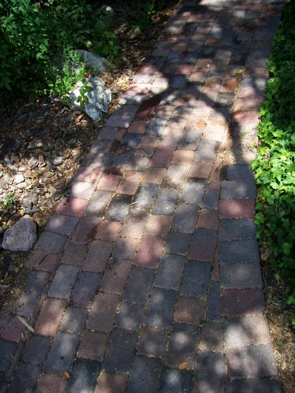 sb_brick_path_happiness02.jpg